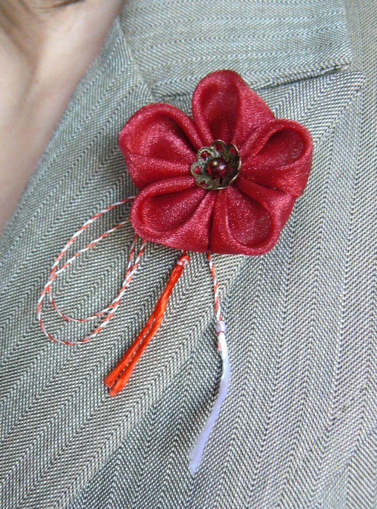 mărţişor roşu organza