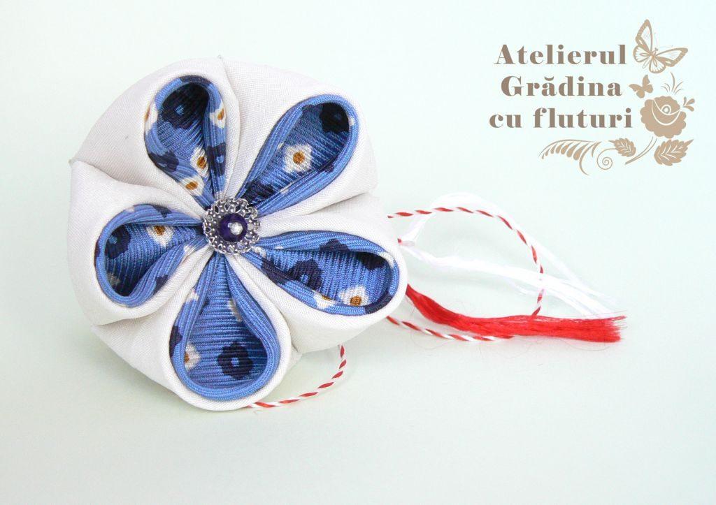 floare albastra martisor kanzashi matase