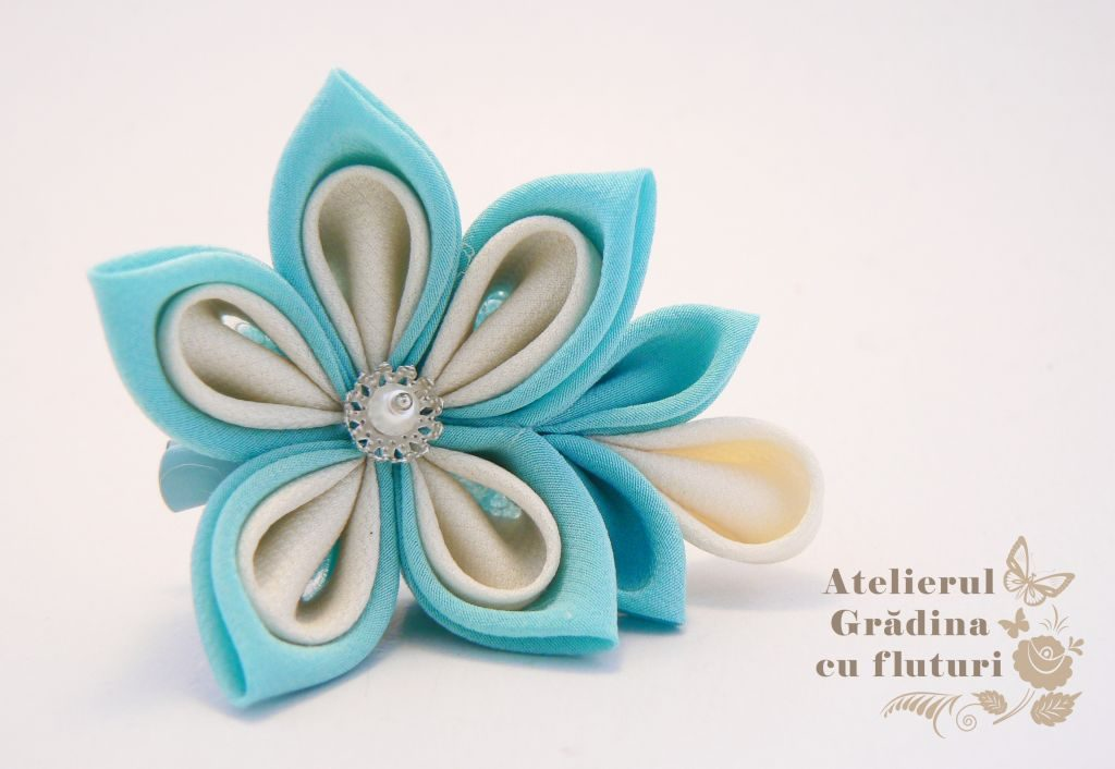 floare bleu martisor logo