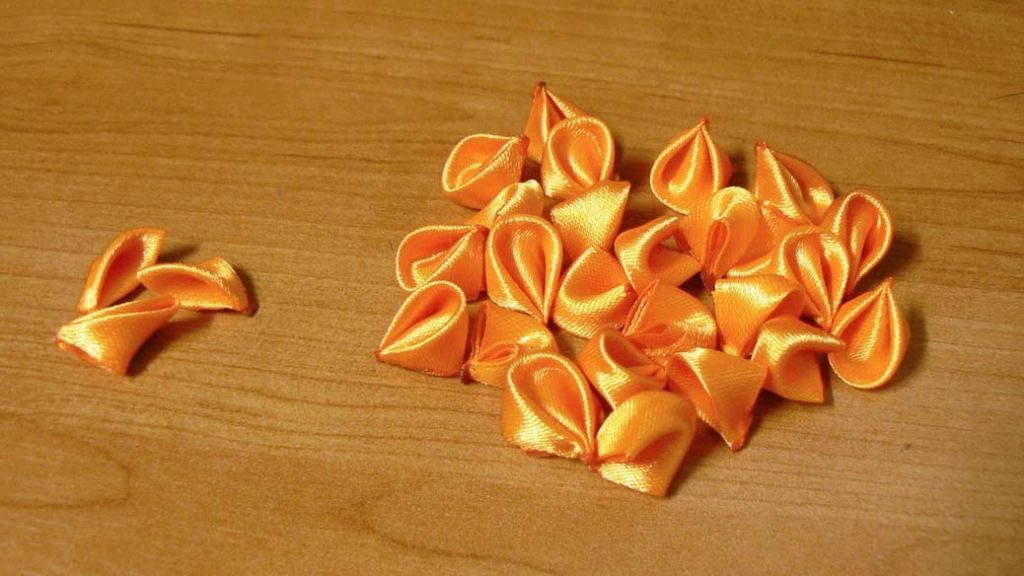 Kanzashi dahlia handmade flower diy tutorial 7