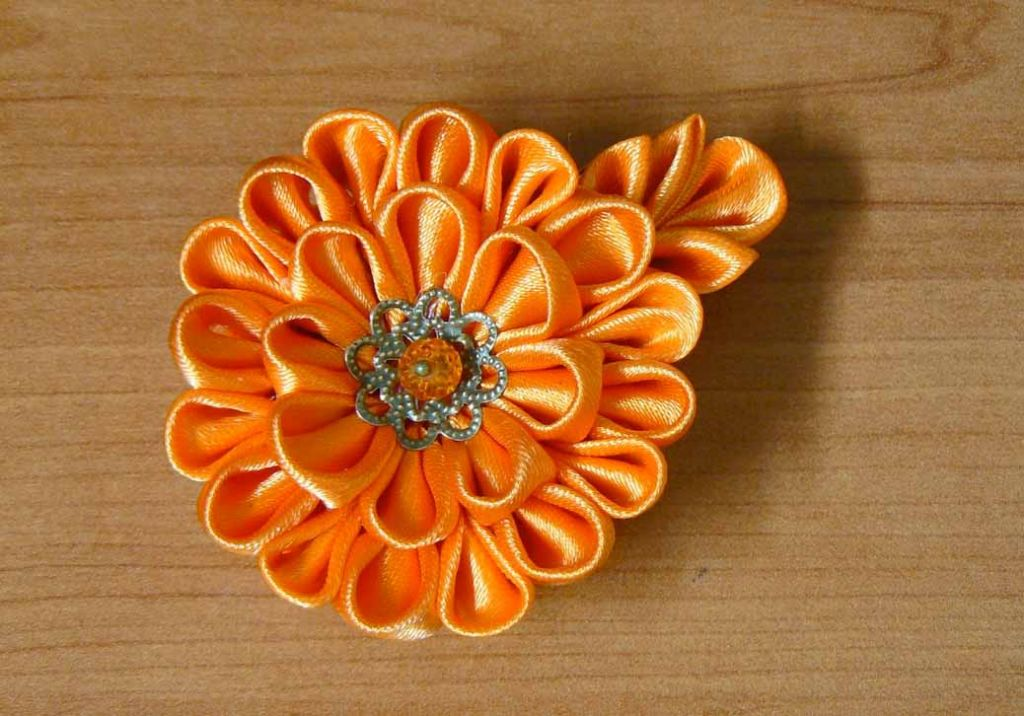 Kanzashi dahlia handmade flower diy tutorial finished