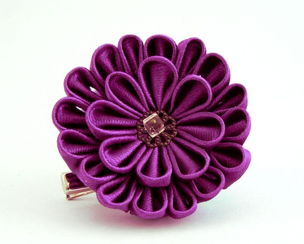 Crizantema kanzashi baza dubla din satin violet