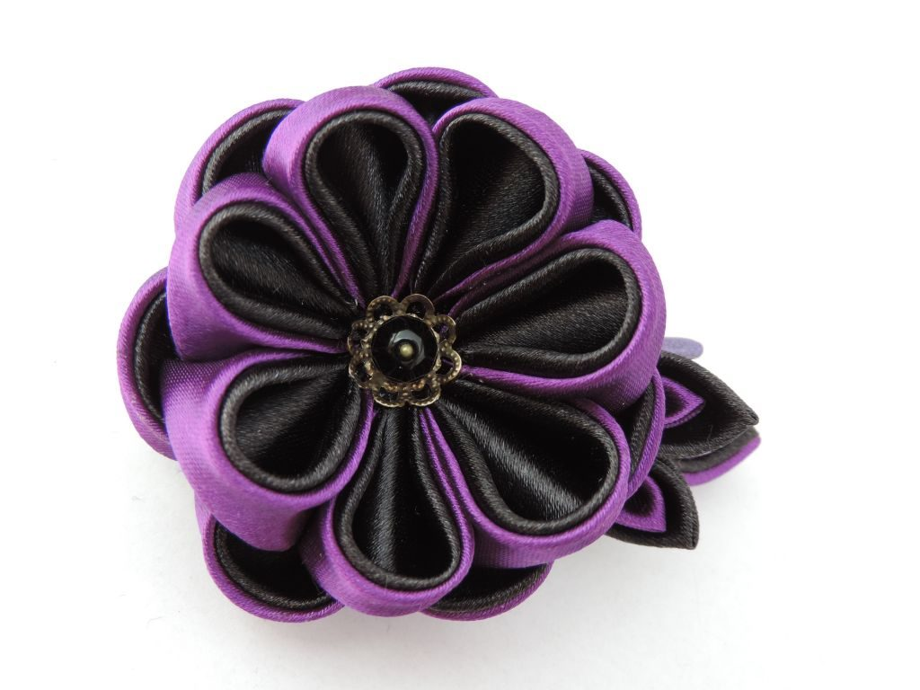 Bujor mov negru - floare kanzashi satin