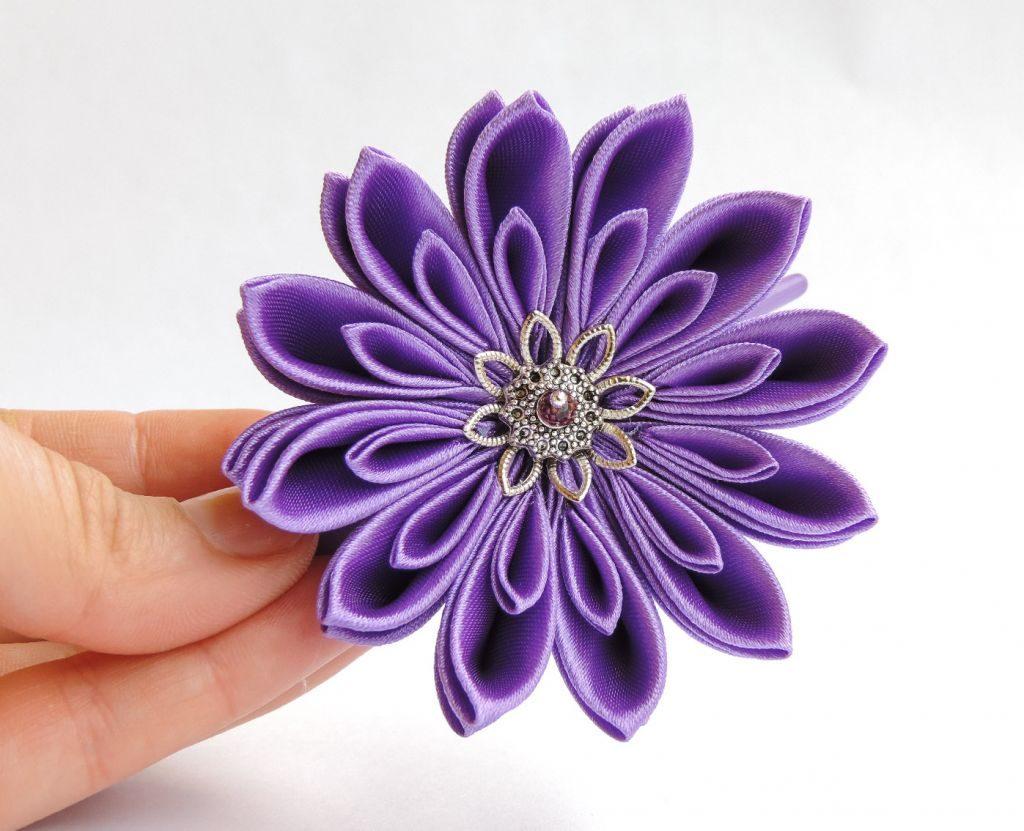 Crizantema din satin mov - floare kanzashi material textil