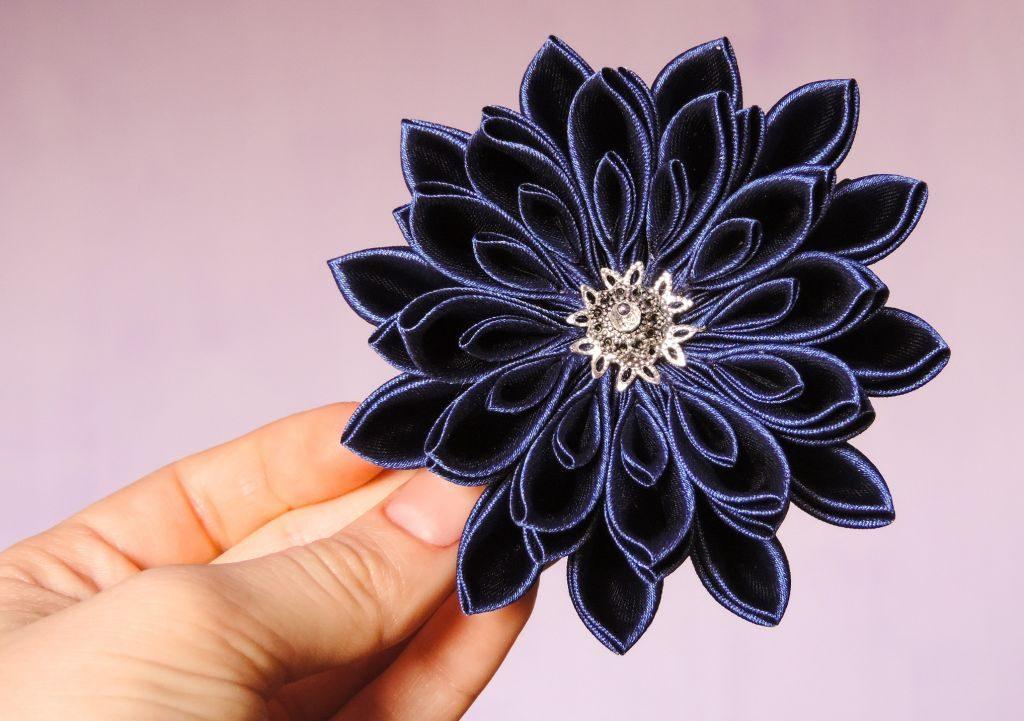 tutorial crizantema mare floare kanzashi satin finalizata