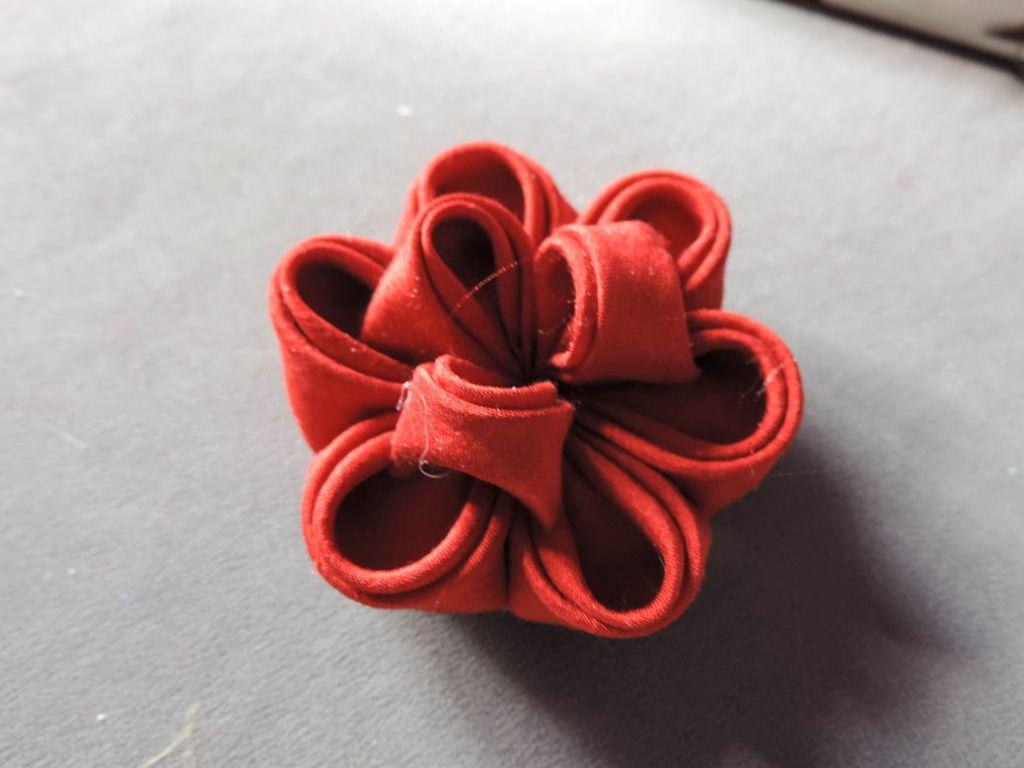 Tutorial bujori - flori kanzashi - pasul-14