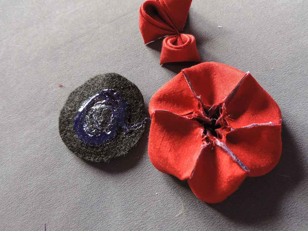 Peony flower tutorial - adding the felt base