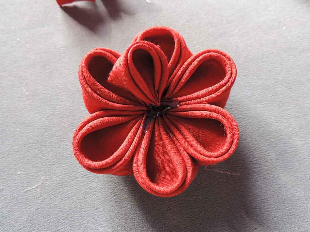 Peony flower tutorial - adding one of the last petals