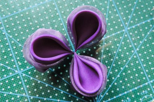 Trei petale rotunde duble - Tutorial floare de iris matase organza