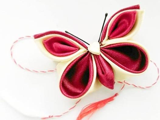 Fluture martisor din satin 4 cm