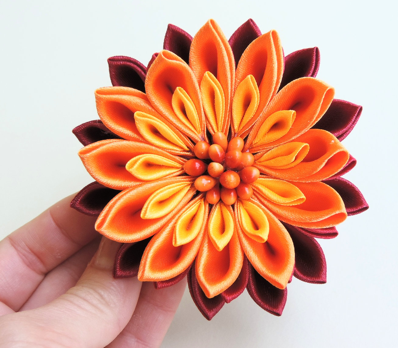 Fiery satin chrysanthemum - DIY tutorial