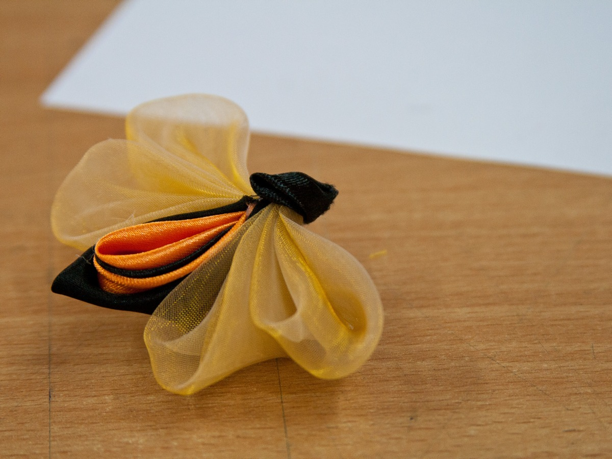 Tutorial satin organza butterfly - classic colors