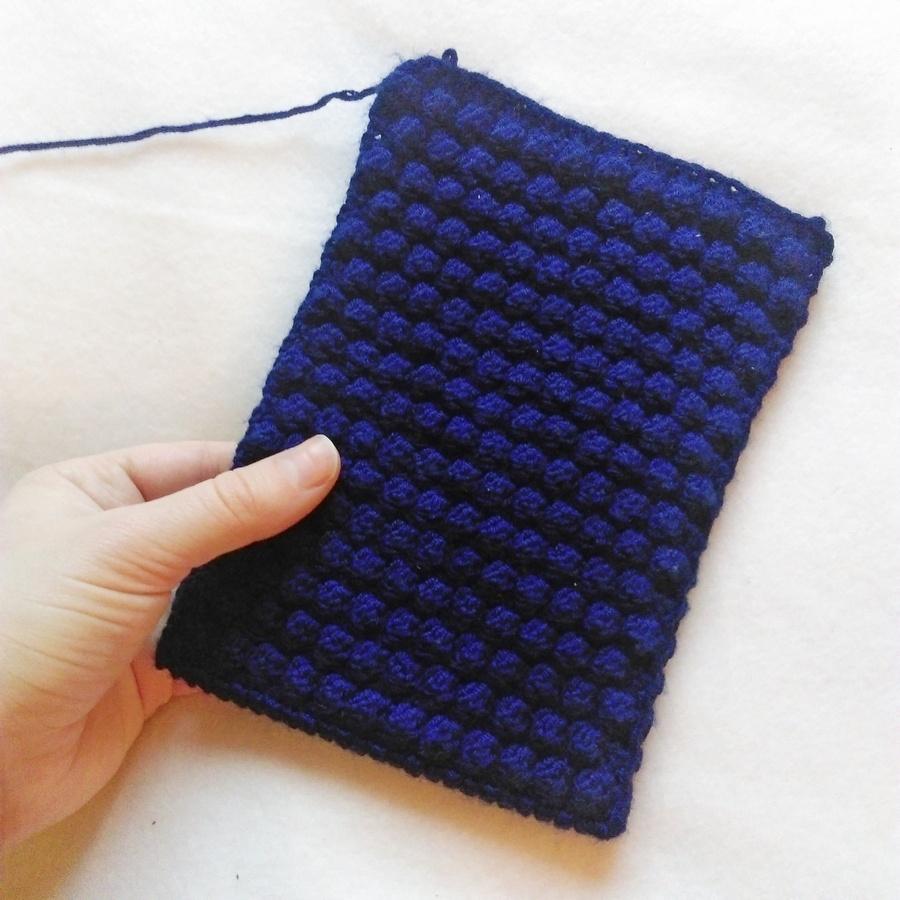 Bobble wrap crochet Kindle case 3