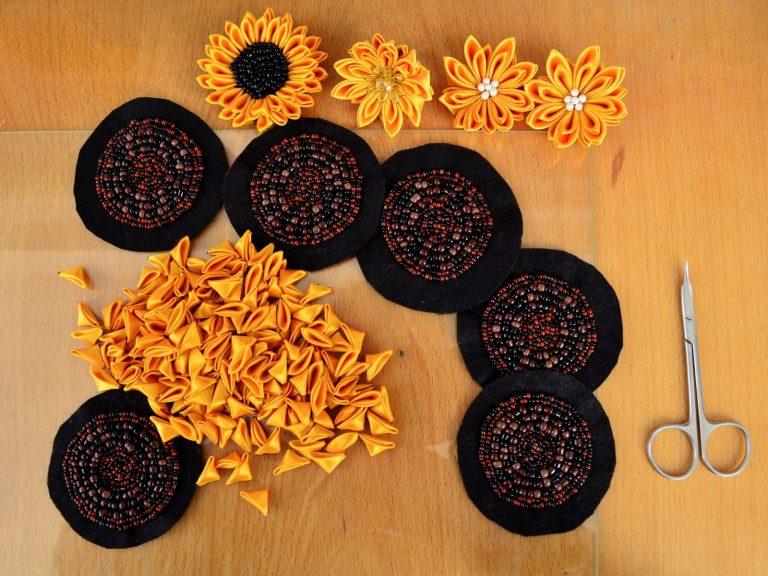 Tutorial bead embroidery sunflowers in progress